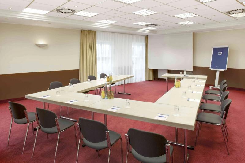 nh_magdeburg-100-meeting_room_setting
